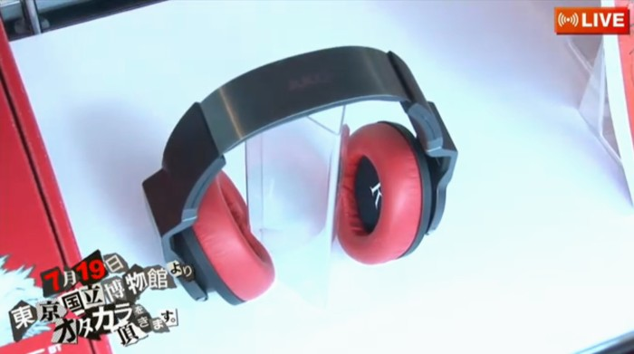 Futaba-Sakura-Headphones-Red